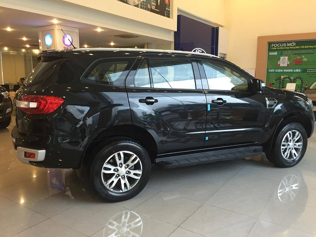 ford-everest-mới-ngoai-that-5-1